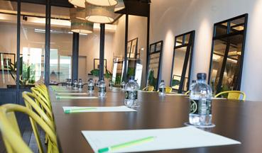 M-Space-Meeting-Room-Close-Up